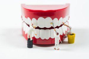 Cómo usar hilo dental